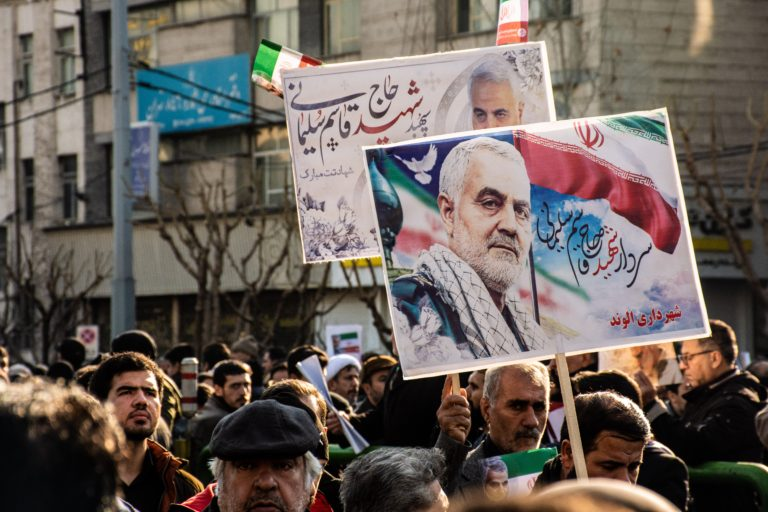 De dood van Soleimani: is Donald Trump 'Wagging the dog'?